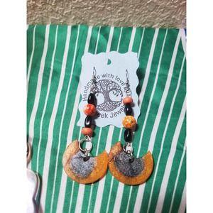 Handmade asymmetrical crackle agate dangle Earrings